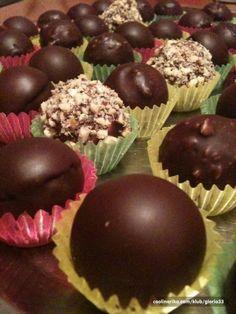 još jedan receptić zaFerrero Rocher ali meni osobno najbolji ;) Fruit Recipes, Candy Recipes, Desert Recipes, Sweet Recipes, Baking Recipes, Cookie Recipes, Fancy Desserts, Sweet Desserts, Pain Au Chocolat