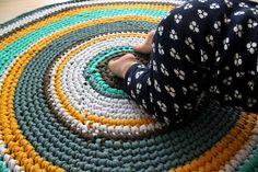 Carpet Runners In Johannesburg Product Beige Carpet, Diy Carpet, Carpet Ideas, Modern Crochet, Diy Crochet, Crochet Rugs, Crochet Things, Crochet Ideas, Handmade Baby Items