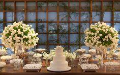 casamento branco mesa doces