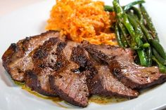 """""""Το καλύτερο συκώτι που έχω φάει"""", είπε η Ελένη Ψυχούλη όταν δοκίμασε αυτή τη συνταγή με τα 6 μικρά μυστικά The Kitchen Food Network, Cooking Time, Food Network Recipes, Steak, Good Food, Favorite Recipes, Gardening, Youtube, Lawn And Garden"""