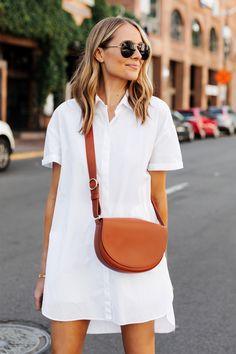 Fashion Jackson Wearing White Shirtdress Cuyana Half Moon Bag Caramel 2 Source by s_alyona summer outfits Fashion Mode, Look Fashion, Womens Fashion, Fashion Trends, Fashion Ideas, Classy Fashion, Fashion Black, Petite Fashion, Fashion 2017