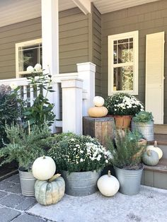 Little Farmstead: Our Farmhouse Fall Porch (and something I dreamed of . - garden Little Farmstead: Our Farmhouse Fall Porch (and something I dreamed of . Autumn Decorating, Porch Decorating, Decorating Ideas, Decor Ideas, Farmhouse Front Porches, Fall Planters, Autumn Planter Ideas, Garden Planters, House With Porch
