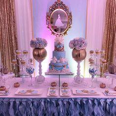 """Cinderella First Birthday #dessertbuffet #candytable #dessertstation #bizcocho #cinderella…"" decoração de festa infantil, party decor"