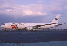 https://flic.kr/p/ZxSQJL | Scandinavian Airlines Boeing 767-300; LN-RCB@EWR, May 1989
