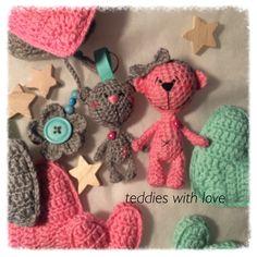 Teddies with love Crocheted Toys, Crochet Teddy, Dolls, Christmas Ornaments, Holiday Decor, Inspiration, Home Decor, Amigurumi, Crocheted Animals
