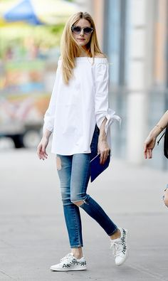 How+to+Style+Your+Ripped+Jeans+Like+Olivia+Palermo+via+@WhoWhatWearAU