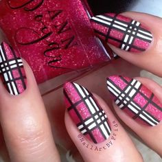 """2,388 Likes, 28 Comments - Nail Tutorials By Frida ☺️ (@nailartbyfrida) on Instagram: """"Tutorial for my plaid nails! ☺️ I'm so excited to do more fall manis!  If you're not confident in…"""""""