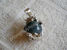 Rồng ôm cầu đá Chalcedony xanh nhỏ - Mặt dây chuyền đá phong thuỷ