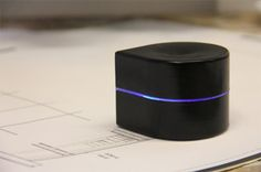 Palm-Size Portable Printer Scoots Deftly Across Paper | Gadgets, Science