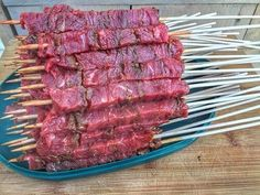 Bavette Spies in Oosterse Marinade van de BBQ - Grillfun Bbq Meat, Bbq Grill, Cheap Bbq, Bbq Sale, Bbq Skewers, Camping Meals, Camping Tool, Outdoor Camping, Dutch Oven Cooking