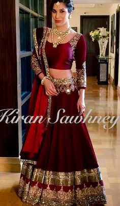 Sophie Choudry at Hindujas wedding in Manish Malhotra. Gorgeous maroon lengha. Feeling royal!