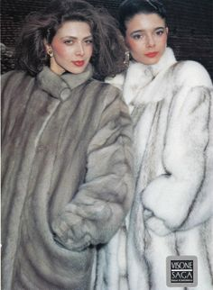 Vintage Furcoats mink fur coats - not sure whether to call these winter or summer, because of the contrasting colors. Fur Fashion, Autumn Fashion, Fabulous Furs, Vintage Fur, Fashion Project, Mink Fur, Style Guides, Fur Coats, Vintage Outfits
