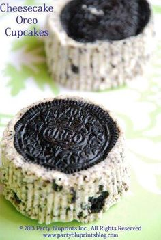22 Oreos: 16 whole, 6 chopped 2)8-oz packages cream cheese, softened 1/2 cup sugar 1/2 tsp vanilla extract 2 large eggs, room temp, beaten 1/2 cup sour cream Pinch of salt http://www.pinterest.com/pin/220746819210171195/
