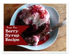 This sugar free syrup recipe is a weekly staple in my kitchen. It is sweet, tangy, berry goodness tops my Greek yogurt snacks; my pancakes; my lovely muffin creations. And it does not stick to the muffin tops, if you get my drift. Trim Healthy Mama Book, Low Carb Recipes, Healthy Recipes, Healthy Treats, Yummy Treats, Diet Recipes, Mama Recipe, Sugar Free Syrup, Low Carb Breakfast