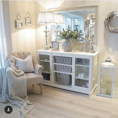 Luxury in 2019 home decor, bedroom decor, dining room sideboard. Home Living Room, Interior Design Living Room, Living Room Designs, Living Room Decor, Bedroom Decor, Decor Room, Home Decor, Dining Room, Decoration Hall