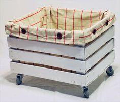 Reciclar, Reutilizar y Reducir : Fabulosas ideas para reutilizar cajas de madera Storage Box On Wheels, Dog Toy Storage, Pallet Storage, Diy Storage, Storage Crates, Rolling Storage, Storage Basket, Small Storage, Wood Storage
