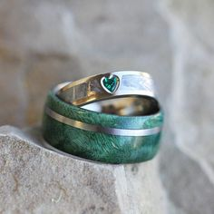 Rustic Bridal Set with Green Box Elder Burl and Heart Shaped Emerald, Meteorite Engagement Ring Unique Wedding Ring Set Rustic Bridal Set with by jewelrybyjohan Wedding Ring Sets Unique, Cool Wedding Rings, Wedding Rings Vintage, Unique Rings, Wedding Jewelry, Gold Wedding, Wedding Bands, Platinum Wedding, Green Wedding