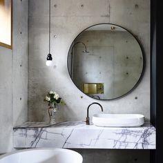 Wastafel mooi! Dun marmer blad ipv deze 9x inspiratie voor beton in de badkamer - Roomed