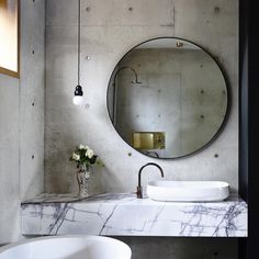 Proving that gold hardware isn't just for fashion lovers, this house shows us how it's done. The clever minimalist styling throughout this space allows the perfect mix of textures and earthy tones to take centre stage… And if you ask me, I think that bedroom steals the show.. x Auhaus Architecture . Derek Swalwell . Pinterest …