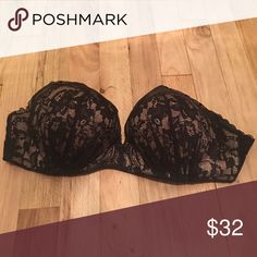 VS Bombshell Miraculous LaceStrapless Push Up Bra Adorable bra that will make you look and feel amazing ! $80 value Victoria's Secret Intimates & Sleepwear Bras
