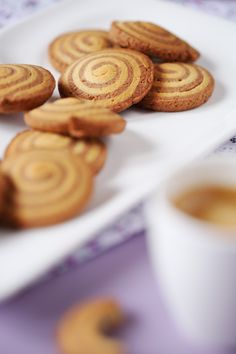 Biscuits escargots French Food, Almond, French Recipes, Pains, Cookies, Breakfast, Blog, Biscuits, French Cookies