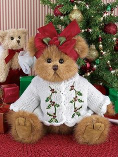 Mamaw would have liked this little bear. Christmas Teddy Bear, Christmas Love, Christmas Colors, Christmas Themes, Christmas Morning, Merry Christmas, Vintage Teddy Bears, Cute Teddy Bears, Teddy Bear Pictures