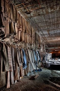abandoned places in an old abandoned clothing factory in Maryland. Abandoned Buildings, Abandoned Property, Abandoned Mansions, Old Buildings, Abandoned Places, Abandoned Library, Abandoned Castles, Abandoned Ohio, Places Around The World