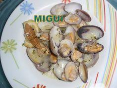 http://lacocinademiguiyfamilia.blogspot.com.es/2011/12/almejas-al-vino-blanco.html