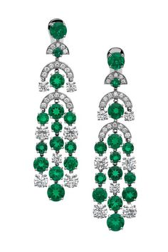 Dreaming of these. Hint hint to a hubby :) Bulgari High-jewellery earrings in white gold with round-shape carat emeralds, round brilliant-cut carat diamonds, and carat pavé diamonds. Stylish Jewelry, High Jewelry, Jewelry Art, Jewelry Accessories, Fashion Jewelry, Jewelry Design, Emerald Earrings, Emerald Jewelry, Dangle Earrings