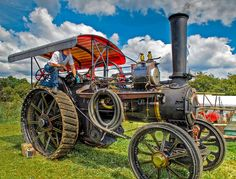 Fowler steam traction engine 13140 'Volunteer'  Built in 1913, Volunteer was rescued from a scrapyard. 3 exp HDR and Topaz Detail