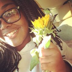 Shoutout to this beauty who we gave a flower  to as well as some old fashioned kindness! #eveloveoutloud #evenvanityends #love #sunflowers #sunflowerselfie #girl #beautiful www.evenvanityends.com