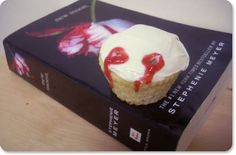 vampire cupcakes....i'd use these for a True Blood party