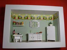 Quadro de cozinha tipo nicho,feito em madeira MDF, pintado com tinta PVA, miniaturas em madeira MDF, pintadas à mão.Quadro encerado e com vidros de proteção. R$ 179,00