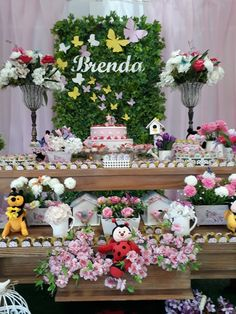 Butterfly Party Decorations, Birthday Party Decorations, Party Themes, Table Decorations, Flower Arrangement Designs, Flower Arrangements, Fairy Birthday Party, Birthday Parties, Shower Party
