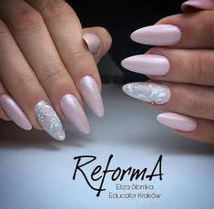 50 top best wedding nail art designs to get inspired Elegant Nails, Classy Nails, Bride Nails, Wedding Nails, Shellac Nails, Pink Nails, Long Oval Nails, Nagel Bling, Uñas Fashion
