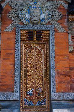 Ornate blue and brown door and entrance in Bali, Indonesia Door Entryway, Entrance Doors, Doorway, Cool Doors, Unique Doors, Beauty Dish, Knobs And Knockers, Door Gate, Gates
