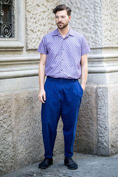 2015-07-10のファッションスナップ。着用アイテム・キーワードは30代, サンダル, シャツ, パンツ, メガネ,etc. 理想の着こなし・コーディネートがきっとここに。| No:117117