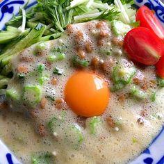 外は雨なので仕事場の片づけをして冷たい蕎麦サラダ♬ - 68件のもぐもぐ - フワフワ卵かけ蕎麦サラダ‼︎ by giacometti1901
