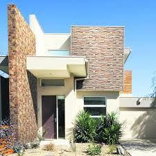 Casas con fachadas de piedra laja color beige buscar con for Fachadas de casas modernas en queretaro