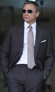 tom ford mens suits - Google Search | Raddest Men's Fashion Looks On The Internet: http://www.raddestlooks.net