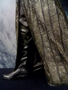 Thranduil's beautiful silver robe. The details are amazing!