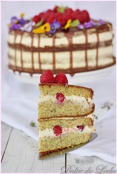 Dulce de Leche: Maková torta s vanilkovým krémom a malinami