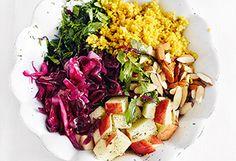 Curry-Couscous mit Krautsalat, Äpfeln und Mandeln Vegan Dishes, Cobb Salad, Cabbage, Curry, Vegetables, Buddha, Food, Coleslaw Salad, Almonds