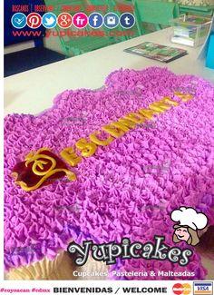 "Pastel de Quequitos decorado en betún con letras en Fondant de la serie ""Descendants"" / Cupcakes cake decorated in fondant with ""Desendants"" theme."