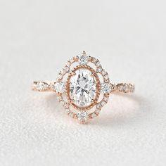 Vintage Inspired Engagement Rings, Wedding Rings Vintage, Gold Wedding Rings, Bridal Rings, Vintage Rings, Gold Rings, Best Wedding Rings, Oval Rings, Wedding Stuff