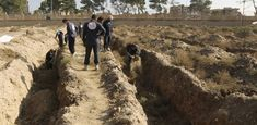 600 bodies found in mass grave in Raqqa, city council says - General news - ANSAMed City Council, International News, Founded In, Greece, Country Roads, Earth, World, Bodies, Syria