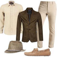 Per un uomo che ama sentirsi particolare ogni giorno ho scelto chino con gamba stretta, camicia in lino, giacca khaki, mocassini sabbia e cappello sui toni del verde. Per farsi notare senza eccedere.