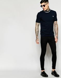 Image 4 of Fred Perry Laurel Wreath T-Shirt in Pique Cotton with Single Tip in Navy