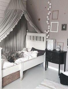 Baldachim z tiulu, czyli zwiewnie i romantycznie | My Lovely Room
