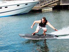 Radinn – Une planche de surf électrique autopropulsée pour rider sans vague
